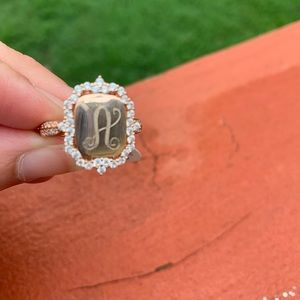 Monogram ring